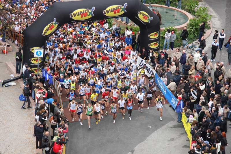- garda_trentino_half_marathon_15_11_2009_Start